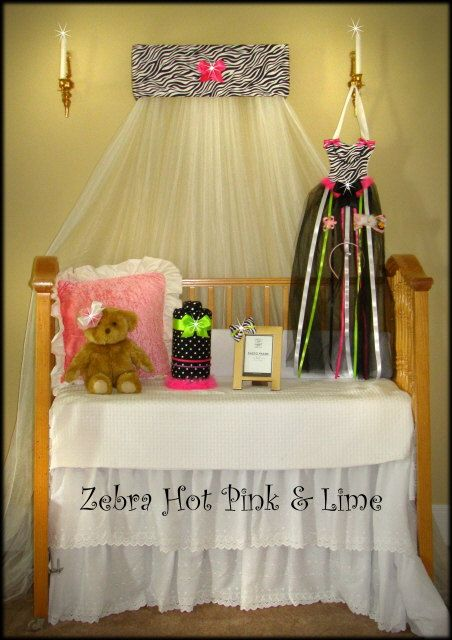 Zebra Canopy Bed CROWN Princess Bow Padded hot pink | Zebradruck ...