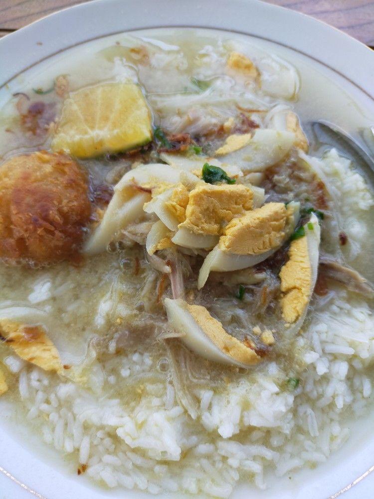 Review Soto Banjar Bang Amat | Sotonya Gurih Banget