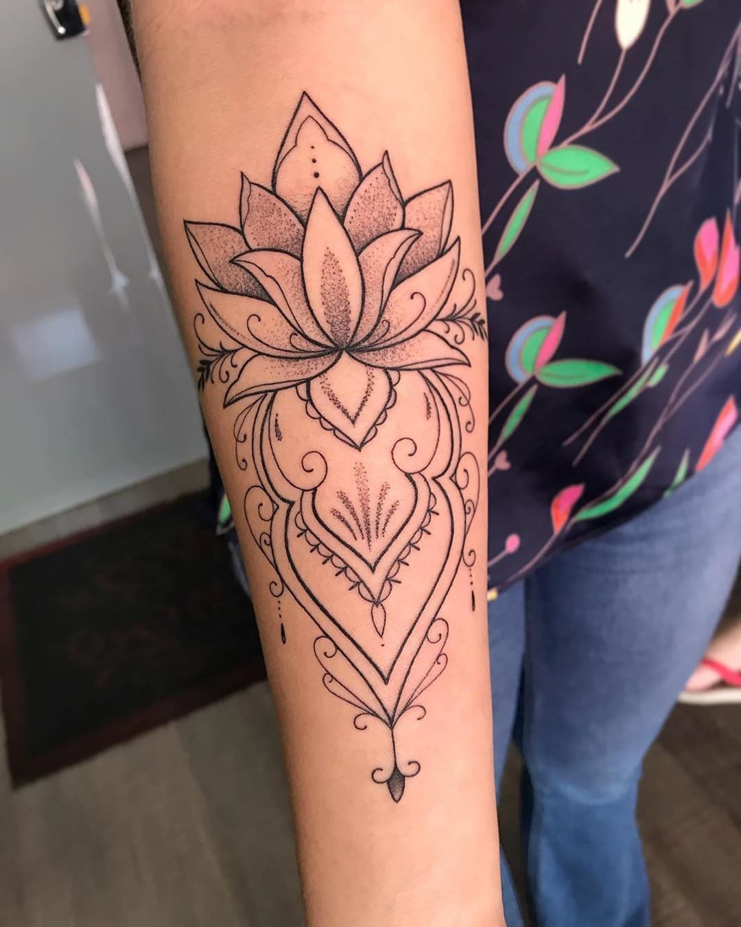 Flor De Loto Ornamental Con Puntillismo Tattoo By Thugpaiva Tatuaje Tatuagem Tattooed Tatto Forearm Tattoo Women Forearm Tattoos Small Forearm Tattoos