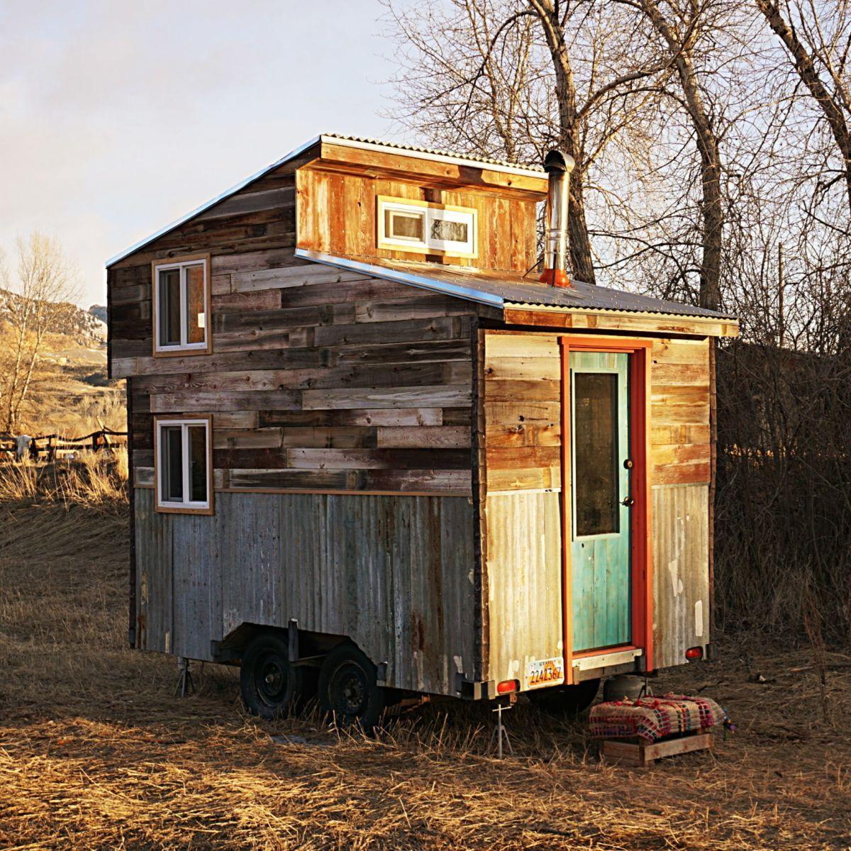 12 Cedar Sided Tiny House On Wheels Tiny House For Sale