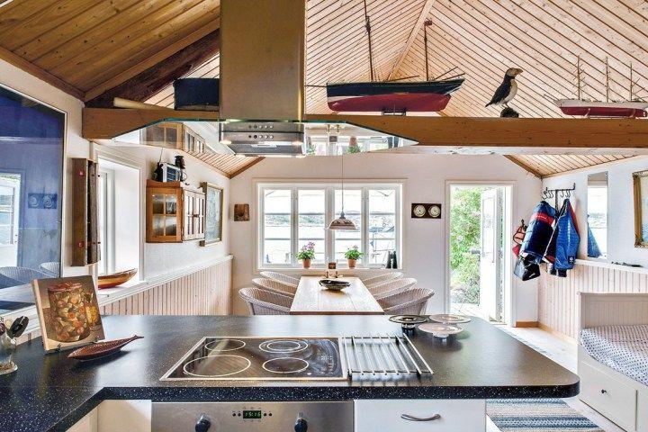 Las casas de vacaciones junto al mar que encantan a los nórdicos - interiores de casas