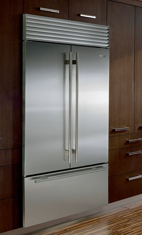 Sub Zero Bi 42ufd Is The Over And Under French Door 42 Refrigerator Freezer With The Largest Interior Fridge French Door French Door Refrigerator French Doors