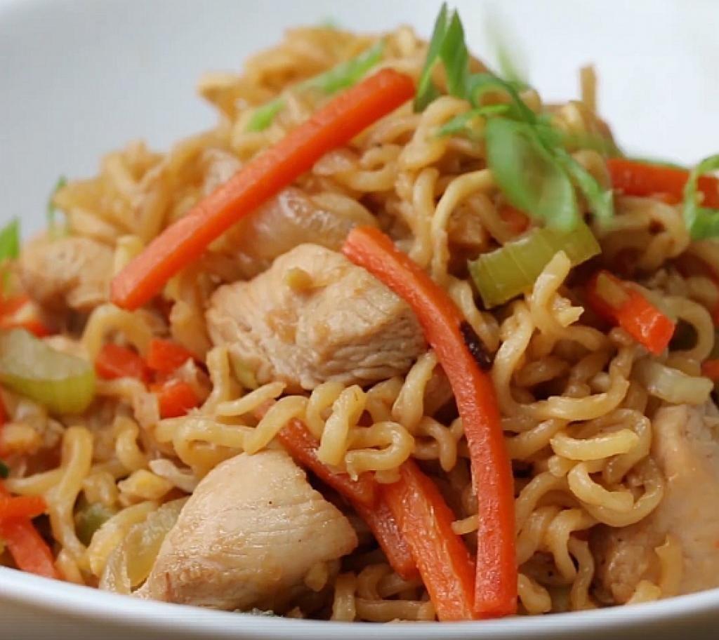 6 Mets Chinois Faits Maison Et Aussi Bons Qu Au Restaurant Recettes Ma Fourchette Chicken Chow Mein Chow Mein Chow Mein Ingredients