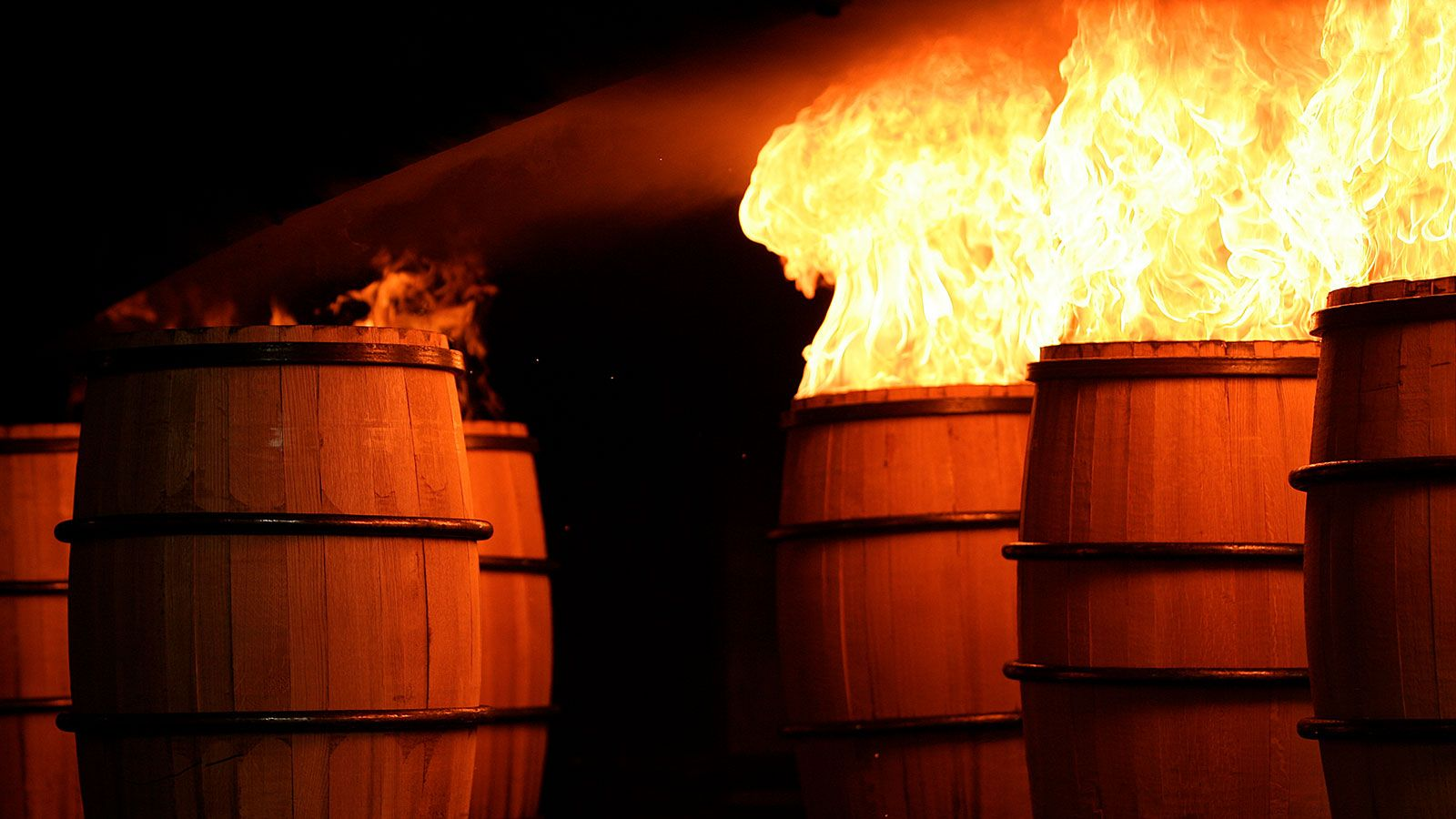 How Charring And Toasting Wood Impacts Whiskey Flavor In 2020 Oak Barrel Whiskey Flavors Wine Cask