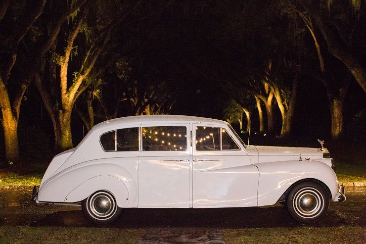 Classic white wedding car | fabmood.com
