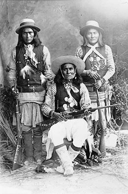 Das-Luca, Skro-Kit, Shus-El-Day. White Mountain Apache. 1909. Photo by Gentry. Source - Library of Congress.