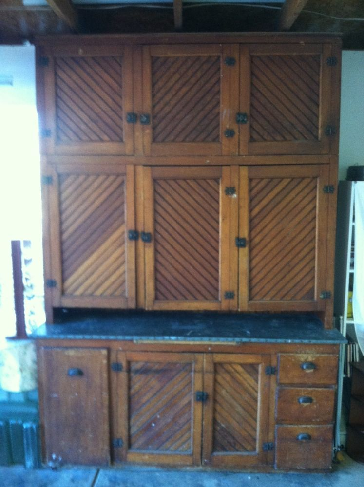 Iowa Farmhouse Oak Kitchen Cabinet Furnitire Fromthe Late 1800 S Oak Kitchen Cabinets Oak Kitchen Kitchen Cabinets