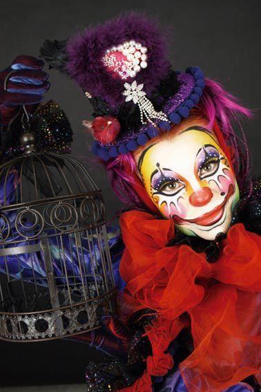 Great colourful clown STICK ART STUDIO escuela de maquillaje artístico