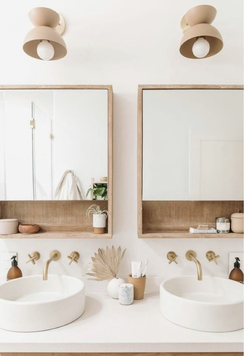 Idee Decoration Salle De Bain Style Ethnique Bois Clair Blanche Miroirs Deco Bathroom Couples Bathroom Bathroom Interior Design Bathroom Decor