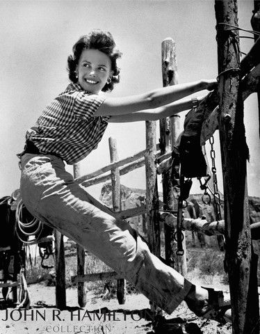 """Natalie Wood  (17 years old) on set during the filming of """"The Searchers"""" in Monument Valley, AZ/UT [1955]"""