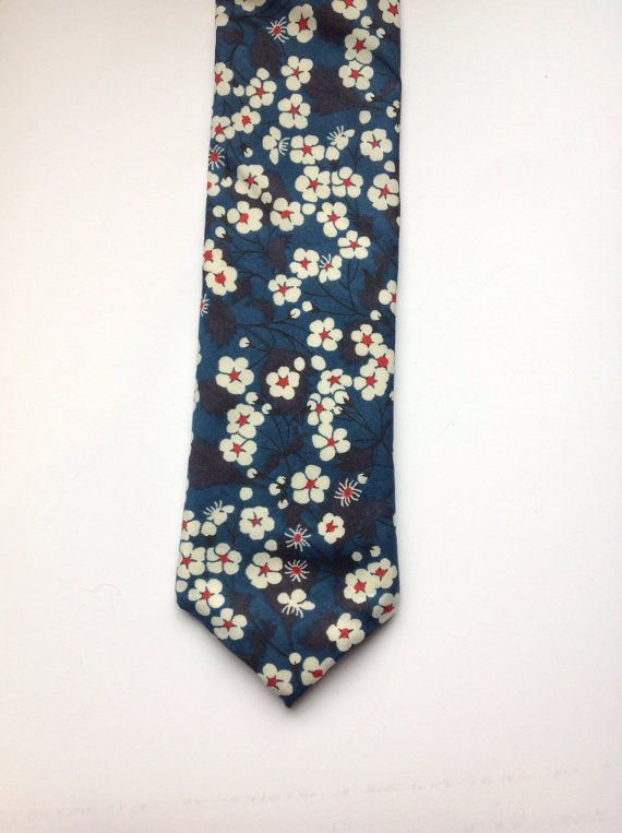dccc8408f1fa Floral tie, Mens ties, mens skinny tie, floral skinny tie, Liberty skinny  tie, blue skinny tie, men's floral tie   a.e.s.t.h.e.t.i.c.   Floral tie,  ...