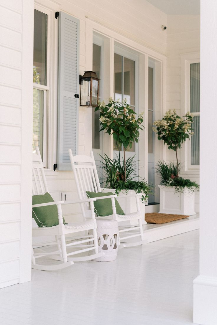 You're Going To Die Over This Stunning Porch Makeover