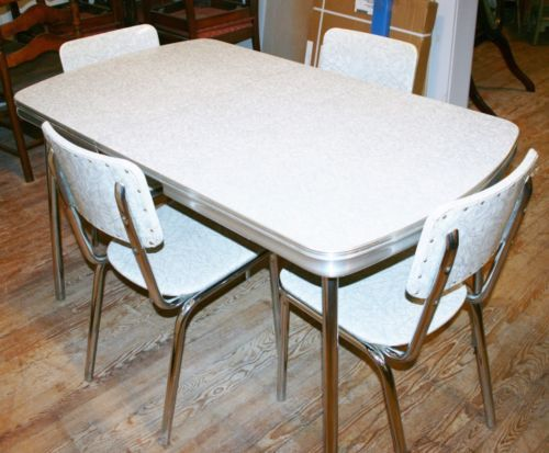 Vintage 1950s Kitchen Dinette Set Table 4 Chair