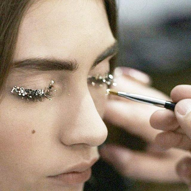 Sparkle sunday via @pinterest #pinterest #glitterlids #glittermakeup #sparklesunday #sparkle