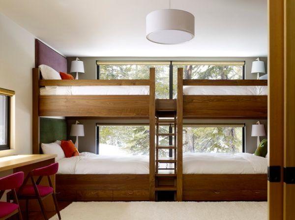 une jolie chambre pour plusieurs enfants c 39 est possible lit superpos superpose et la baie. Black Bedroom Furniture Sets. Home Design Ideas