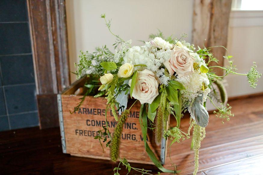 Ceremony flowers by Anthomanic Jordan & Lauren | Riddick House at Stevenson Ridge Wedding » Carley Rehberg Photography