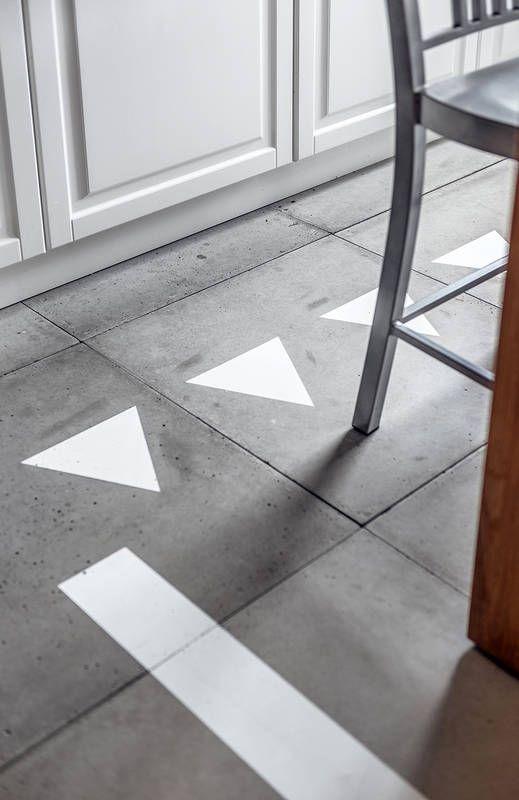 Mieszkanie Z Kolekcja Ksiazek Lazienka Styl Nowoczesny Aranzacja I Wystroj Wnetrz Contemporary Rug Decor Home Decor