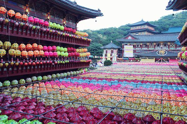 Samgwangsa Temple. Buddha's Birthday. Busan