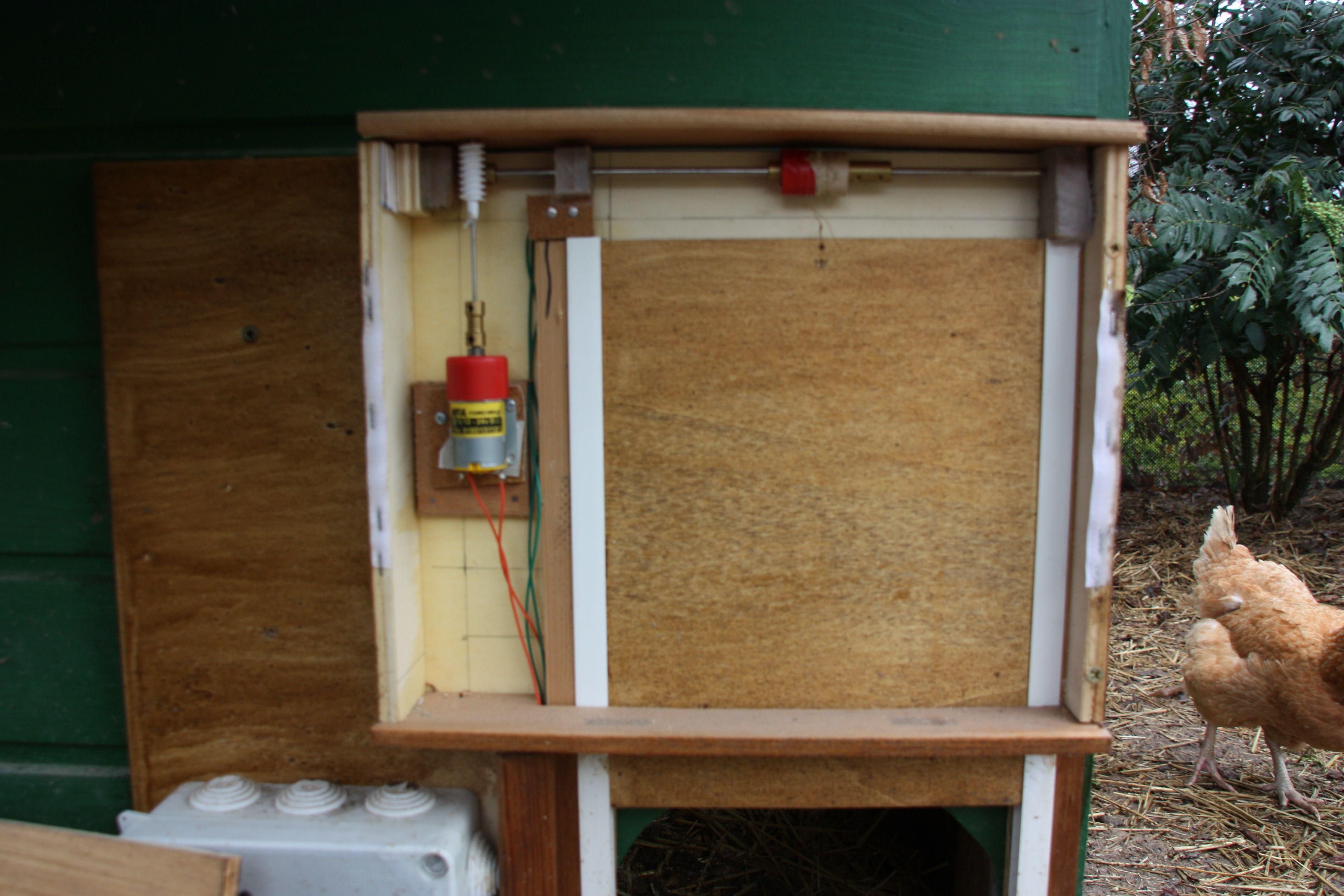 Graceful Fabriquer Une Porte Automatique De Poulailler Good Ideas - Fabriquer porte poulailler automatique