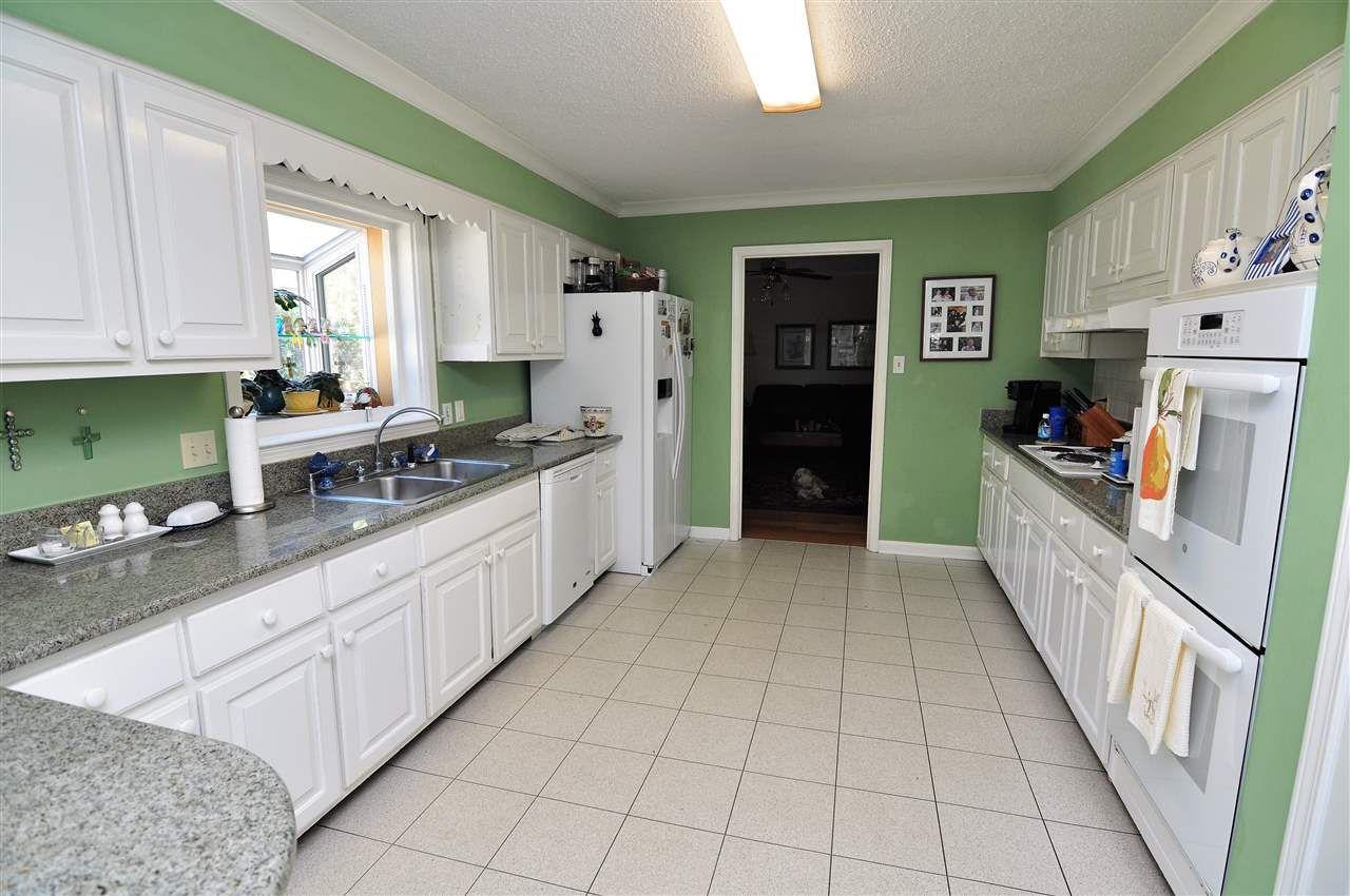 5320 Walnut Grove Rd Memphis Tn 38120 Crye Leike With Images Walnut Grove Home Decor Home