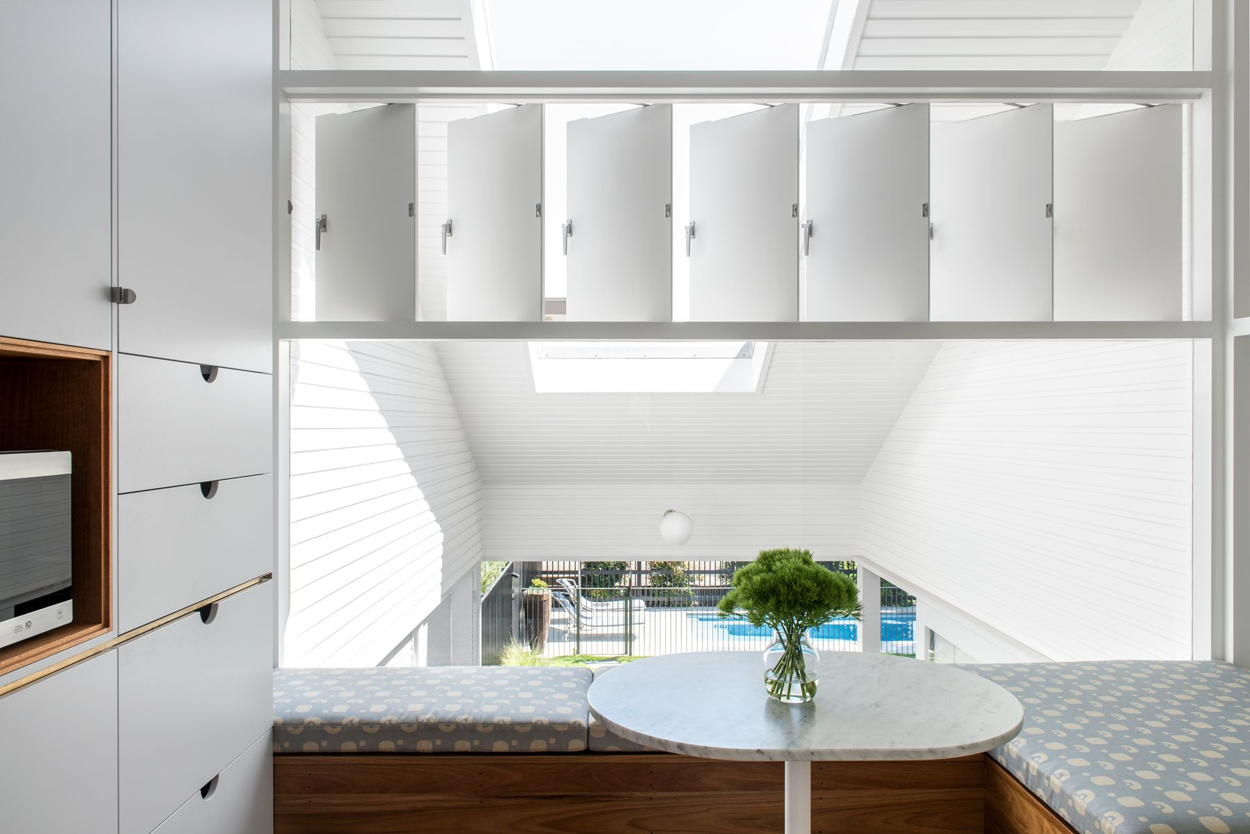 New farm cottage by brisbane interior designer georgia cannon in collaboration with vokes and peters also rh pinterest