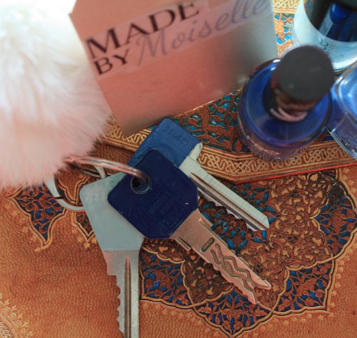 Personaliseer je sleutels door ze een laagje nagellak te geven :) Zo weet je precies welke sleutel voor wat is!