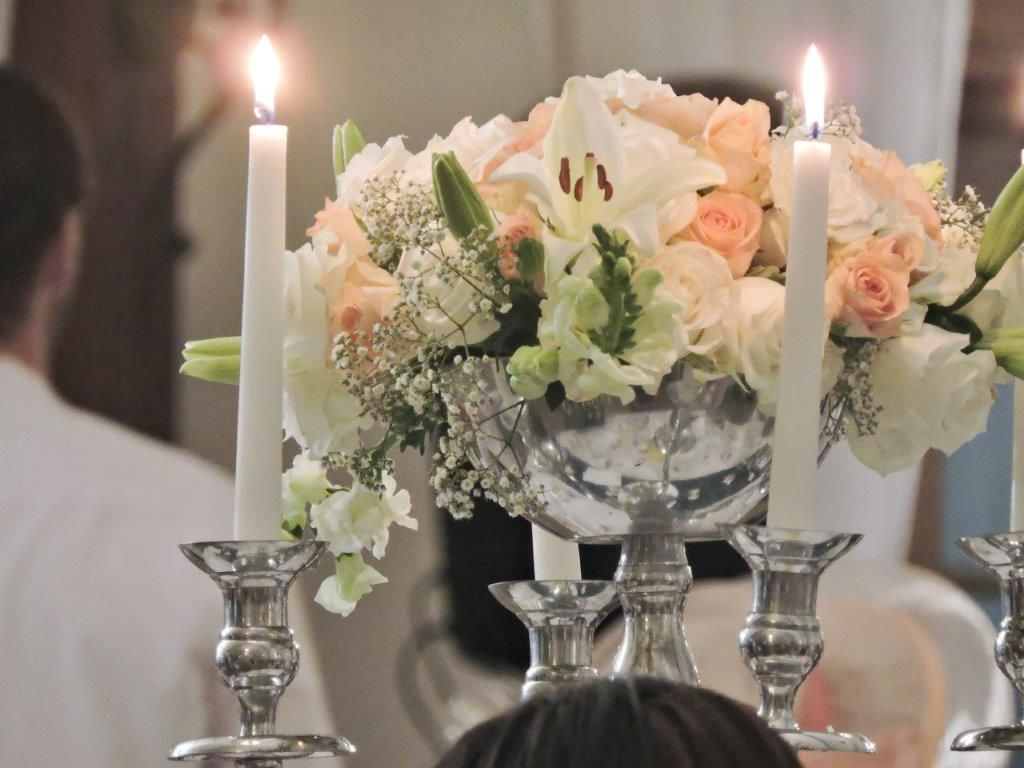 Dreamy Peach Green And White Flowers For A Spring Wedding Wedding