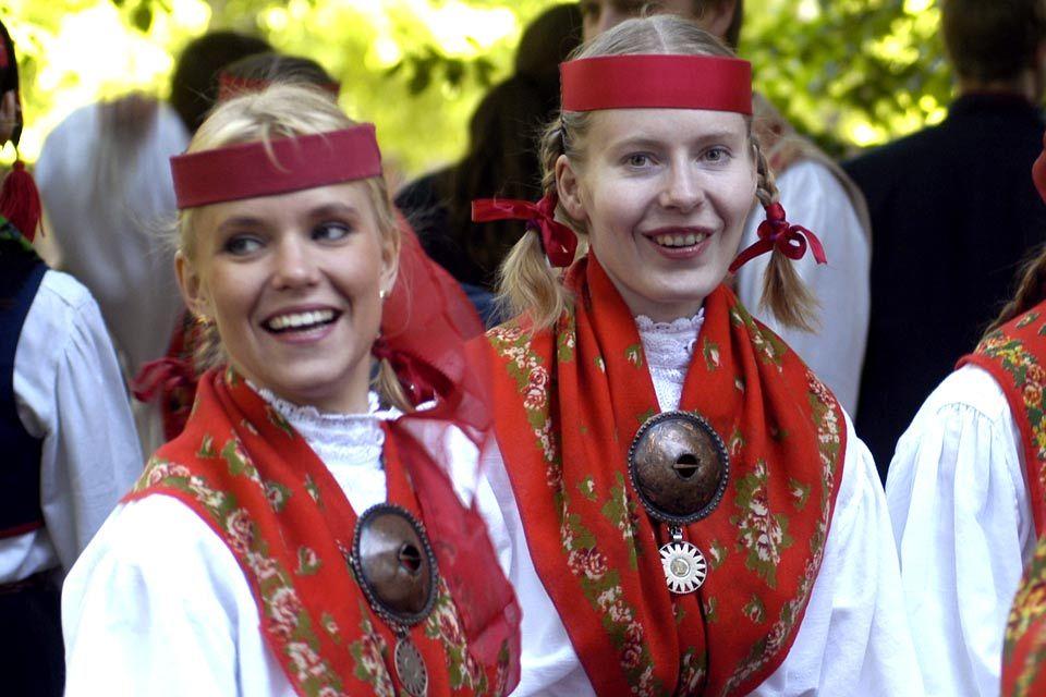 estonia dating culture in usa