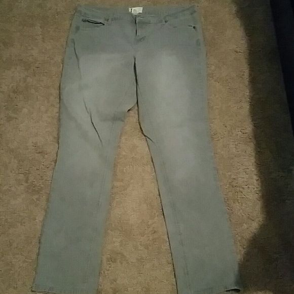 Jeans These are some so brand jeans from khols size 17 in junior SO Jeans Skinny
