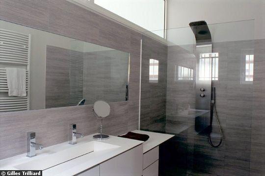 Am nager une petite moyenne salle de bain 20 photos salle de bain salle de bain salle de - Amenager une salle de bain en longueur ...