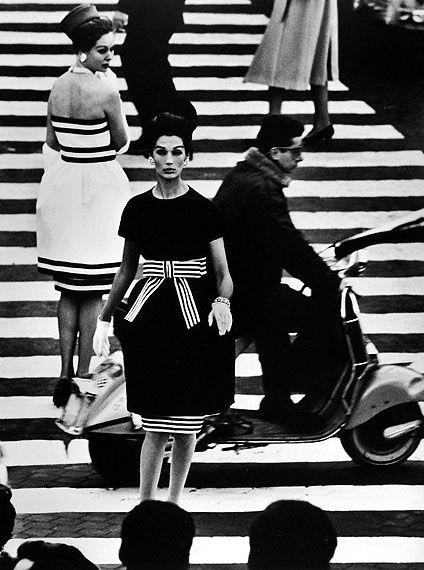 William Klein, Nina + Simone, Piazza di Spagna, Rome (Vogue), 1960, Platinum palladium print.