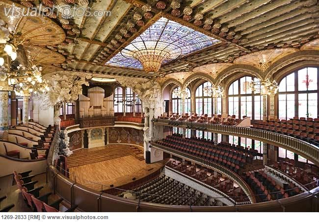 interiors_of_an_auditorium_palau_de_la_musica_catalana_barcelona_catalonia_spain_1269-2833.jpg (650×453)