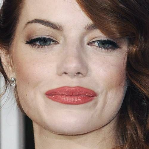 Emma Stone With An Old And Classic Hollywood Makeup Style Avec Un Maquillage