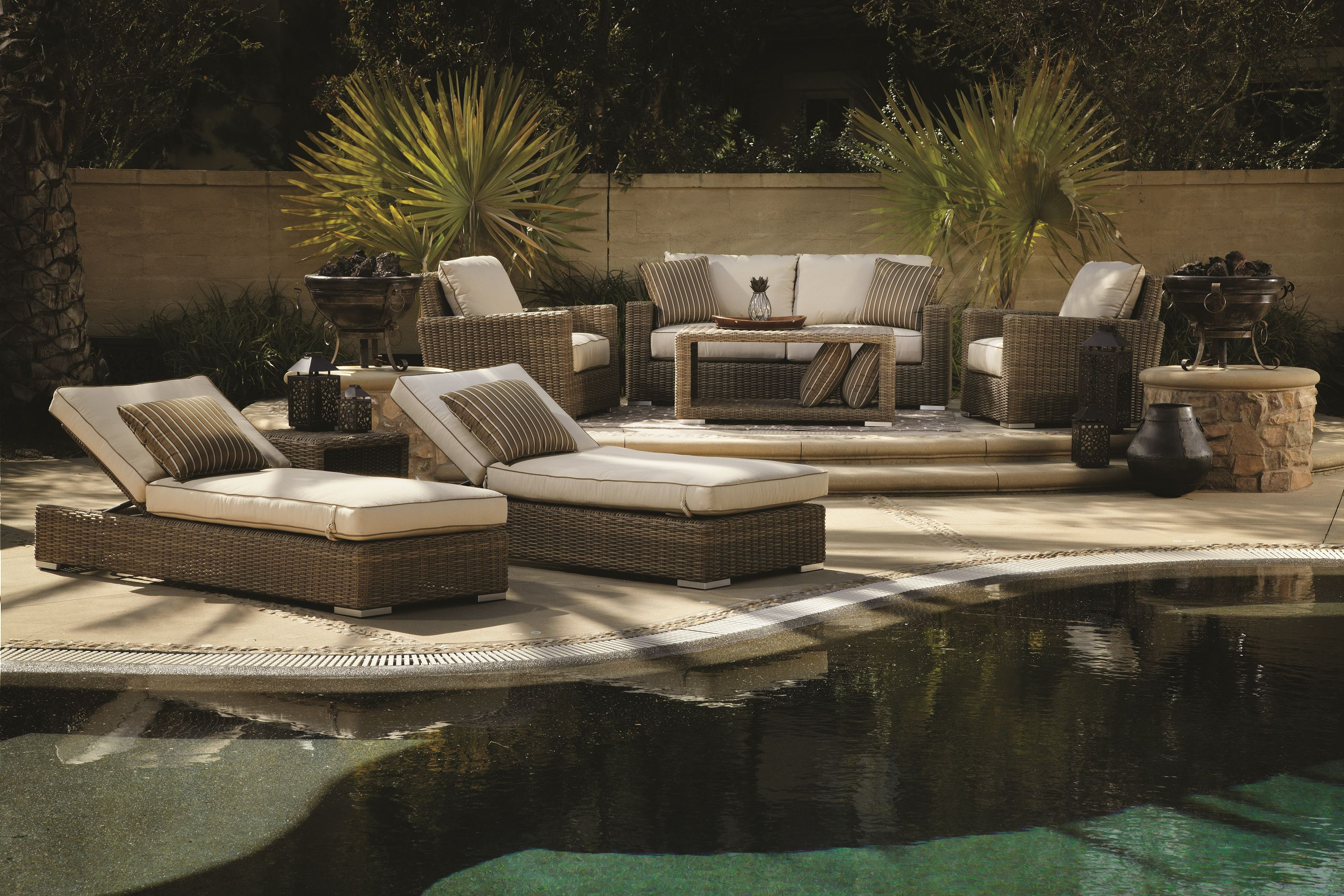 So inviting! Love this soft lighting!