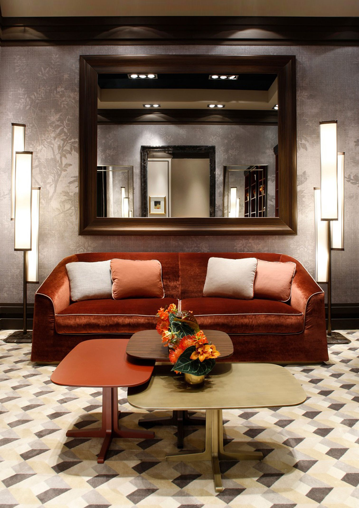 Luis coffee table by Oasis, with Cocteau mirror, and Flower lamps (design by Massimiliano Raggi).