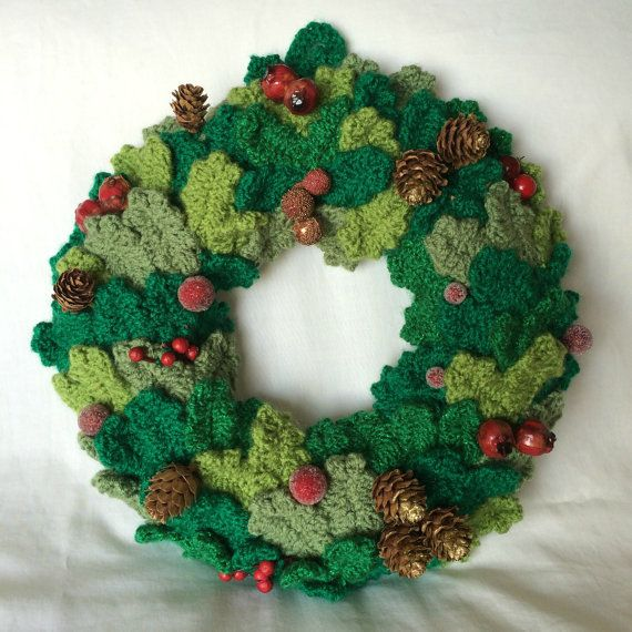 Hand knitted Christmas wreath  accessories  Pinterest