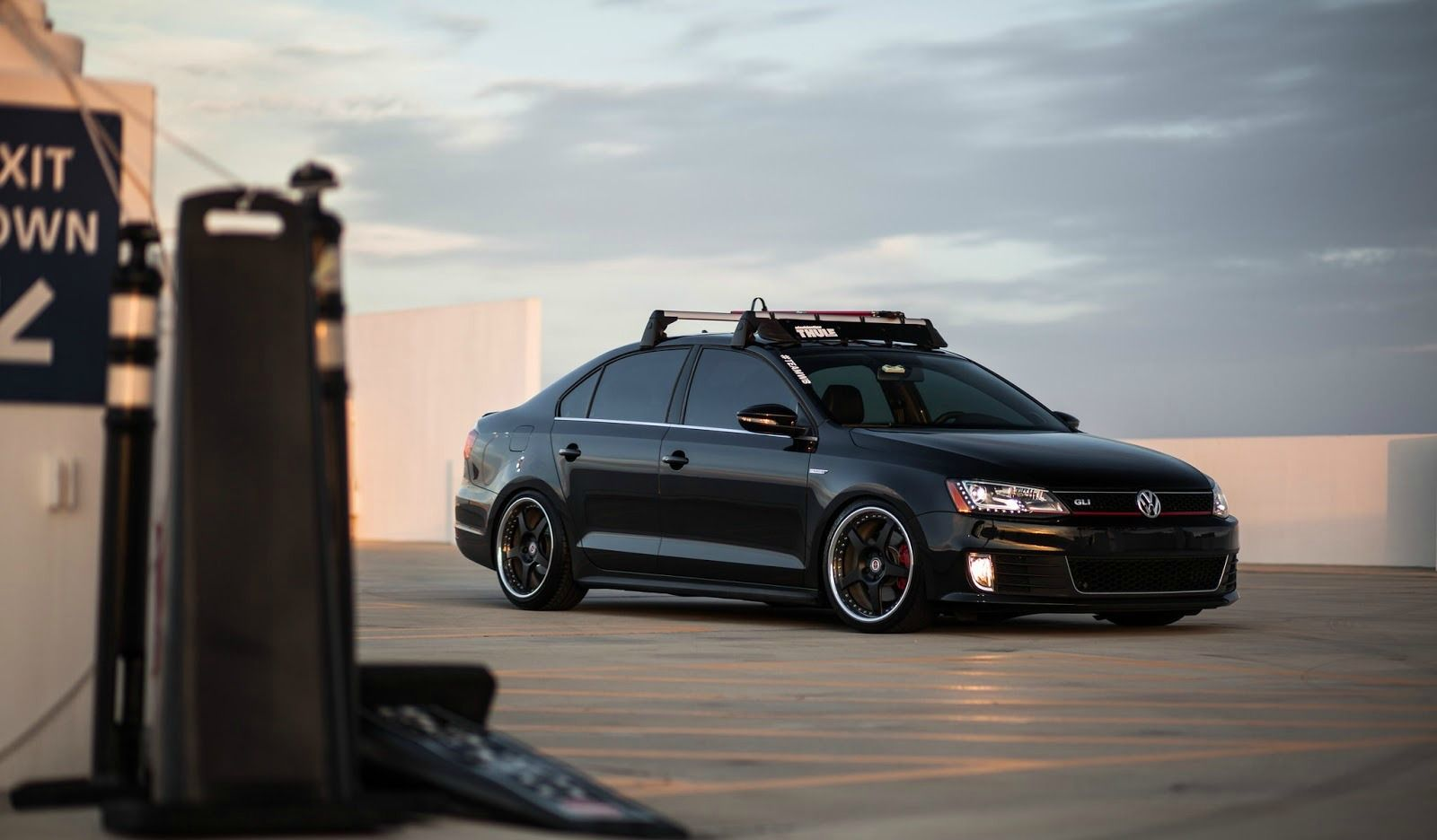 This Custom Volkswagen Gli Is Ready To Rumble And We Couldn T Be More In Love Machinecrushmonday Mcm Vdublove Volkswagen Jetta Volkswagen Vw Jetta