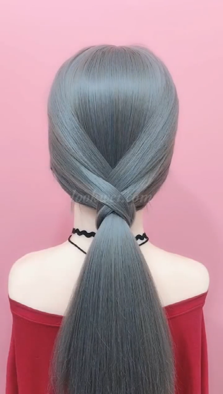 Braids Hairstyle Video Ideas Simple Idea For A Low Horse Hairstyle Braids Hairstyle Video Ideas In 2020 Hair Braid Videos Low Ponytail Hairstyles Hair Styles