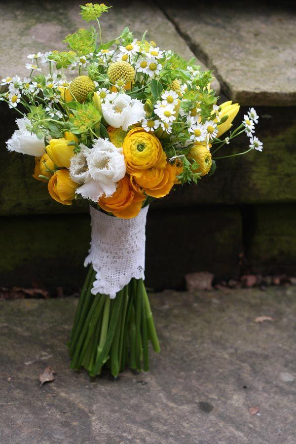 Ramo De Novia Flores Blancas Y Amarillas Con Toques Verdes