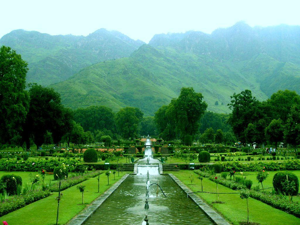 Mughal Garden Kashmir Kashmir India Honeymoon Destinations Vacation Trips