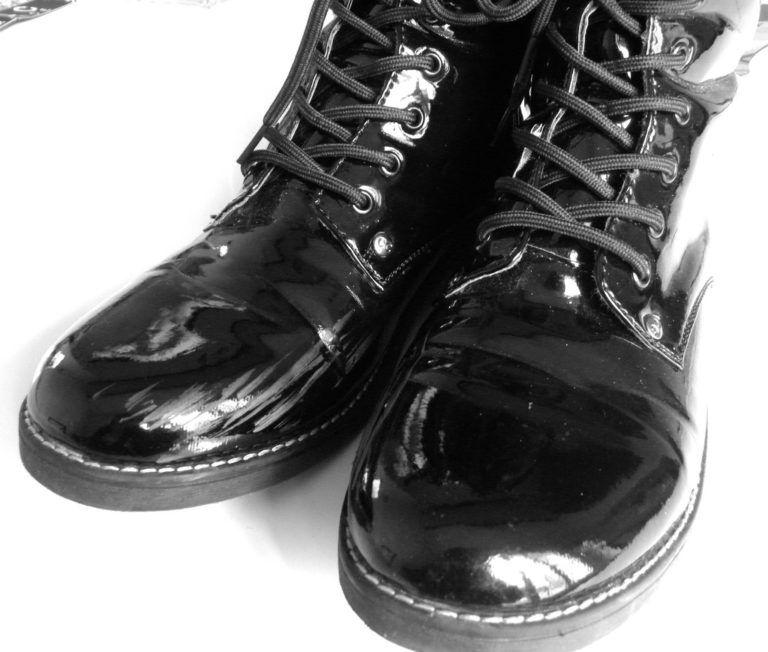 Comment entretenir les chaussures vernies ? - Mes chaussures et moi   Chaussure vernis, Nettoyer ...