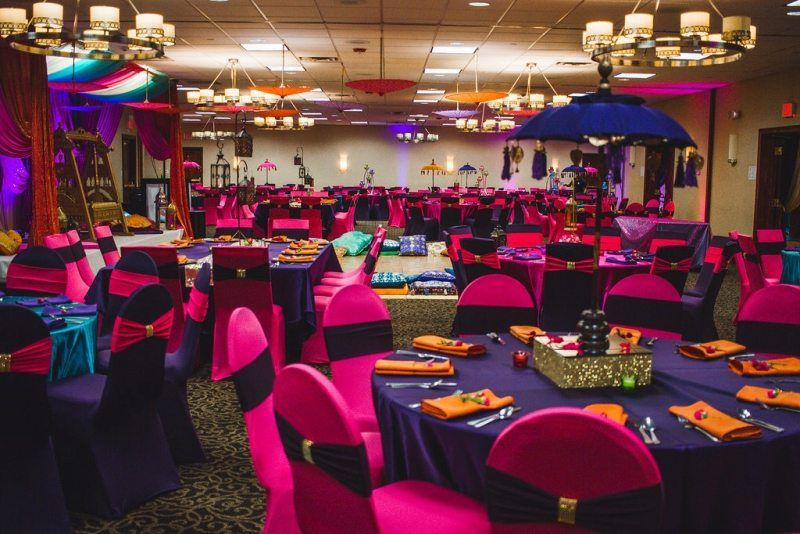 Fun Colorful Wedding Reception At The Holiday Inn Itasca In Chicagoland Holiday Inn Chicago Wedding Venues Holiday