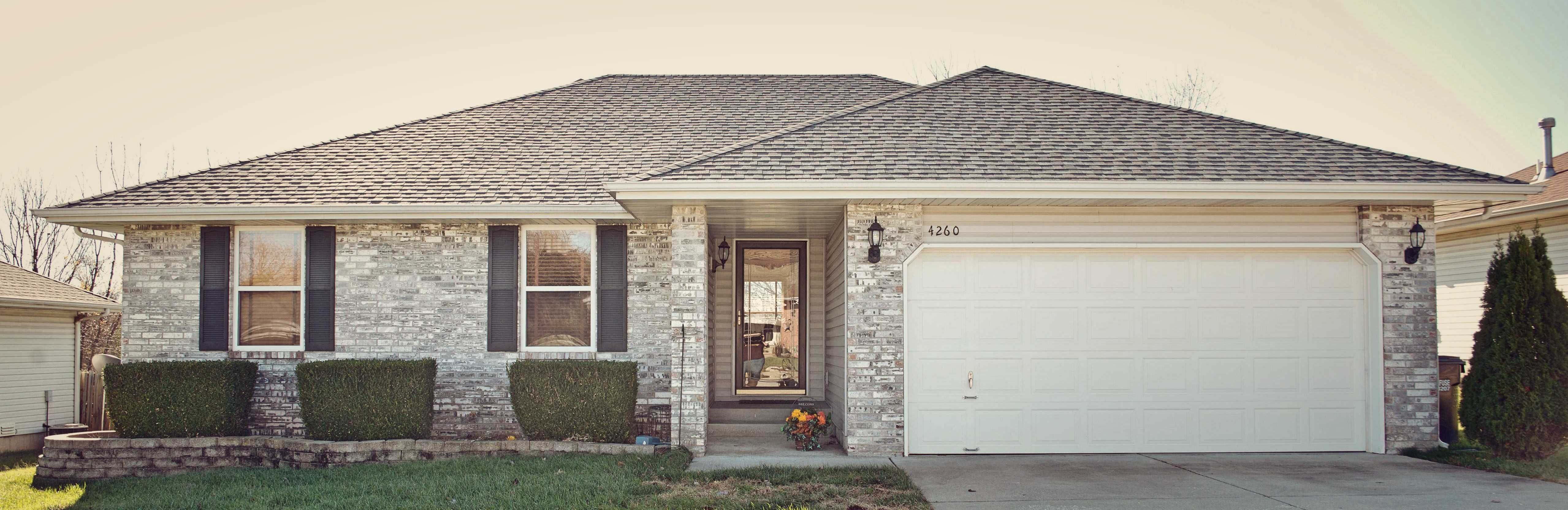 The Benefits Of Installing Seamless Gutters In Springfield Missouri Seamless Gutters Gutters Springfield Missouri