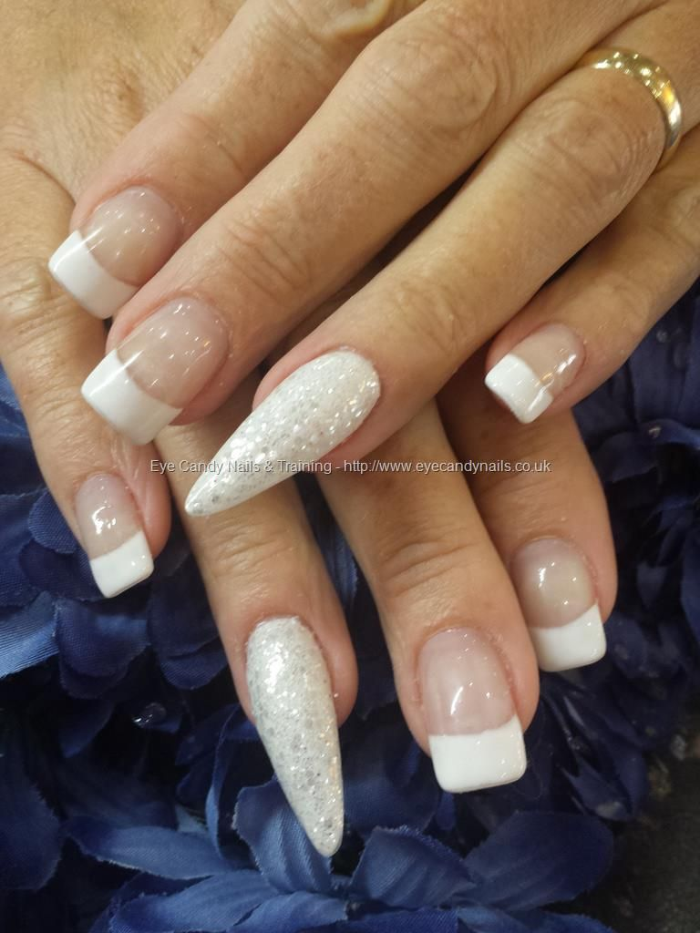 White french with glitter stiletto ring fingers love this idea