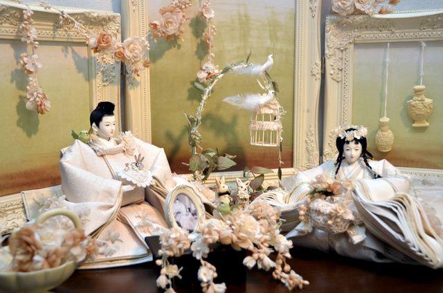 ゴスロリ、テディベア…創作ひな人形花盛り 岐阜の作家:朝日新聞デジタル