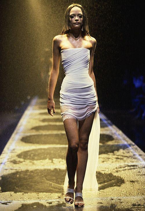 alexander mcqueen ss 1998 james king runway