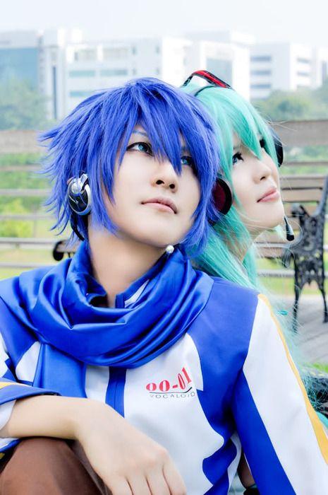 Kaito and Miku cosplay Cosplay Pinterest MikuVocaloid Kaito Cosplay