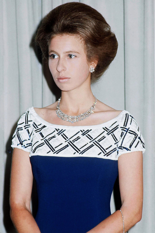 Princess Anne 1973 Princess anne, Royal hairstyles