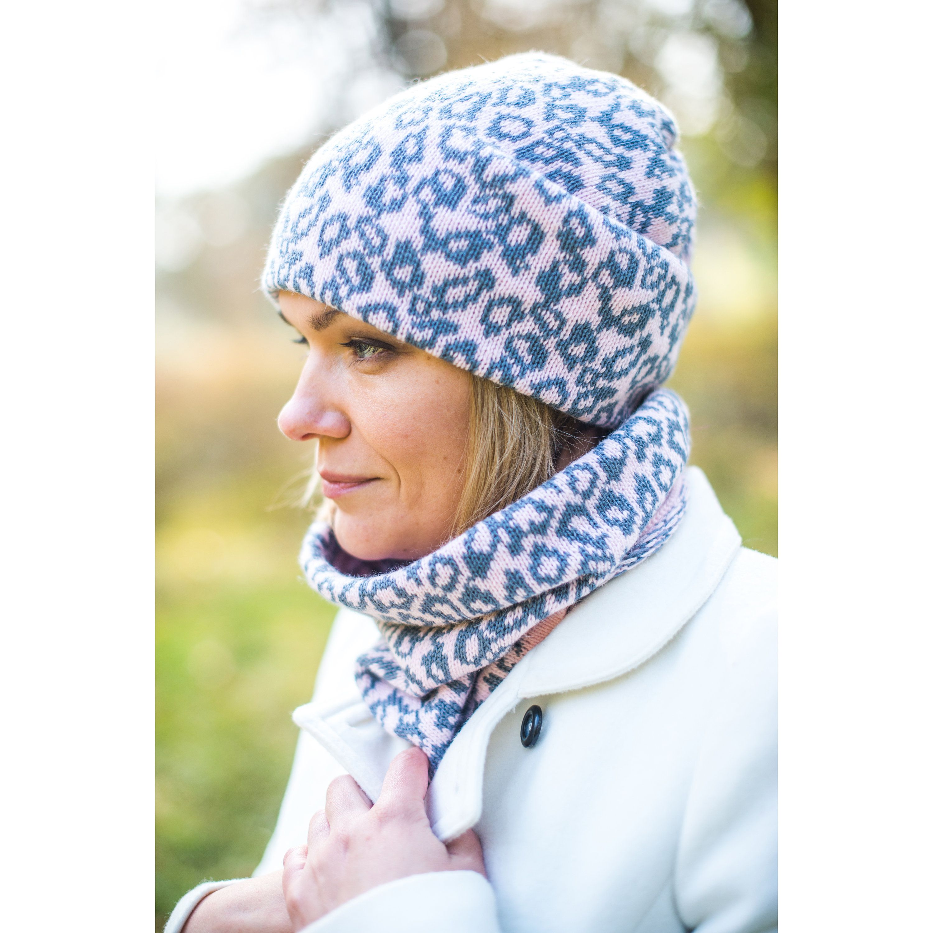 Warm Winter Women Hat and snood, knitted accessories