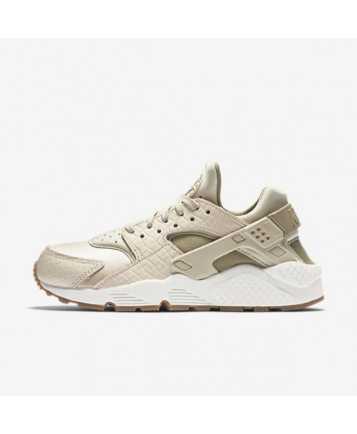 Nike Air Huarache Premium Oatmeal Sail Gum Medium Brown Khaki Womens Shoe 683964dcb9